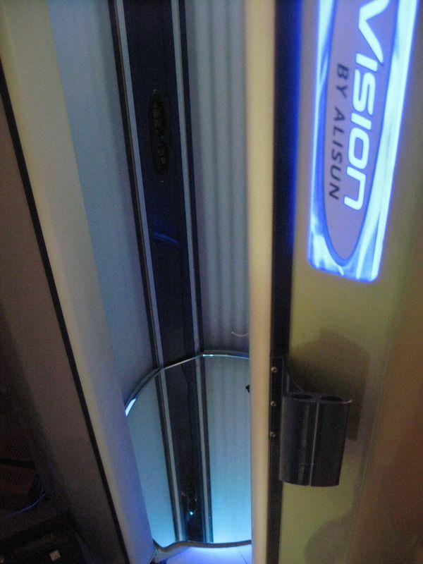 Вертикальный солярий Sunvison V200
